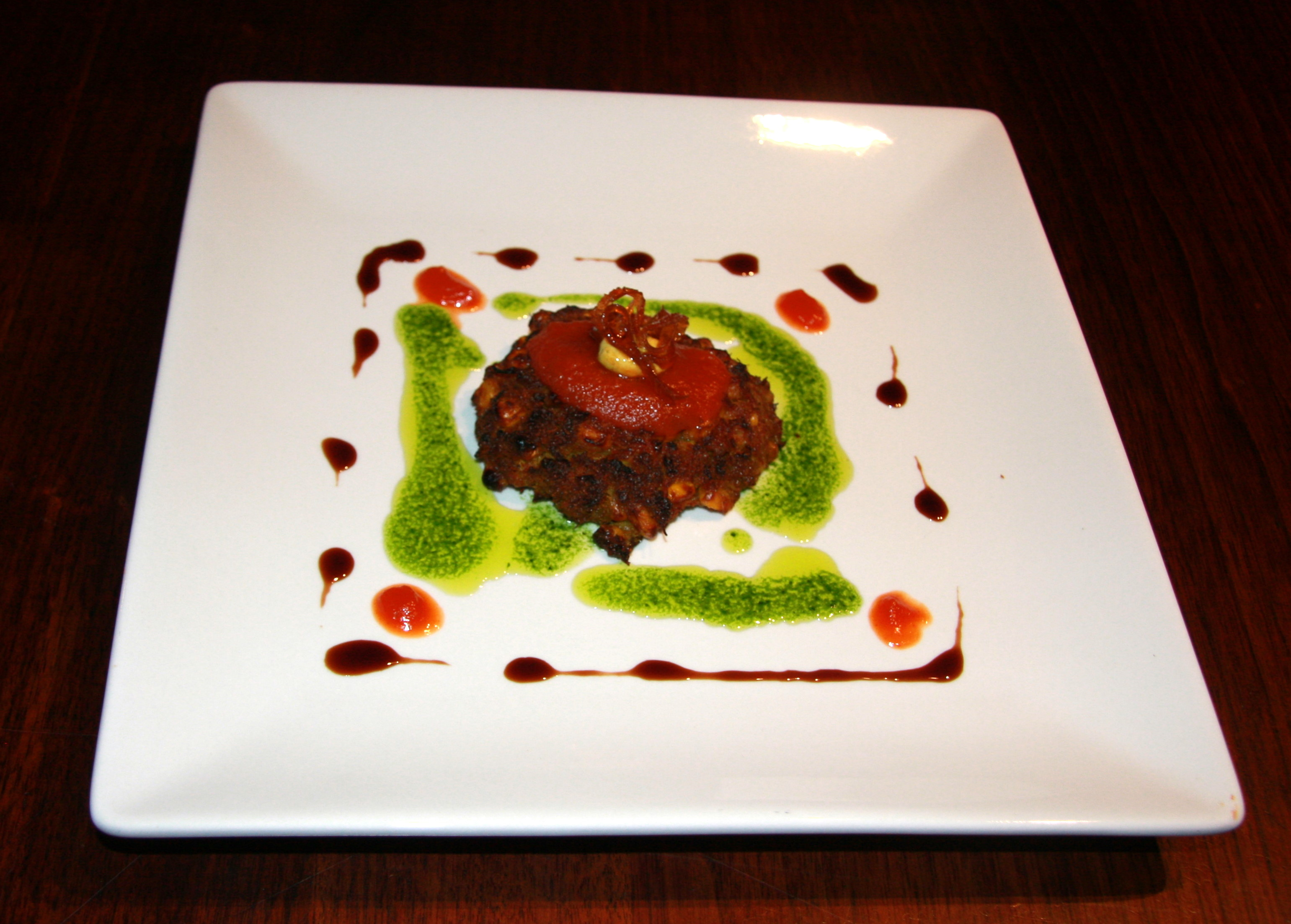 CURRIED CRAB AND CORN CAKES WITH ROASTED RED PEPPER SAUCE AND PARSLEY ...