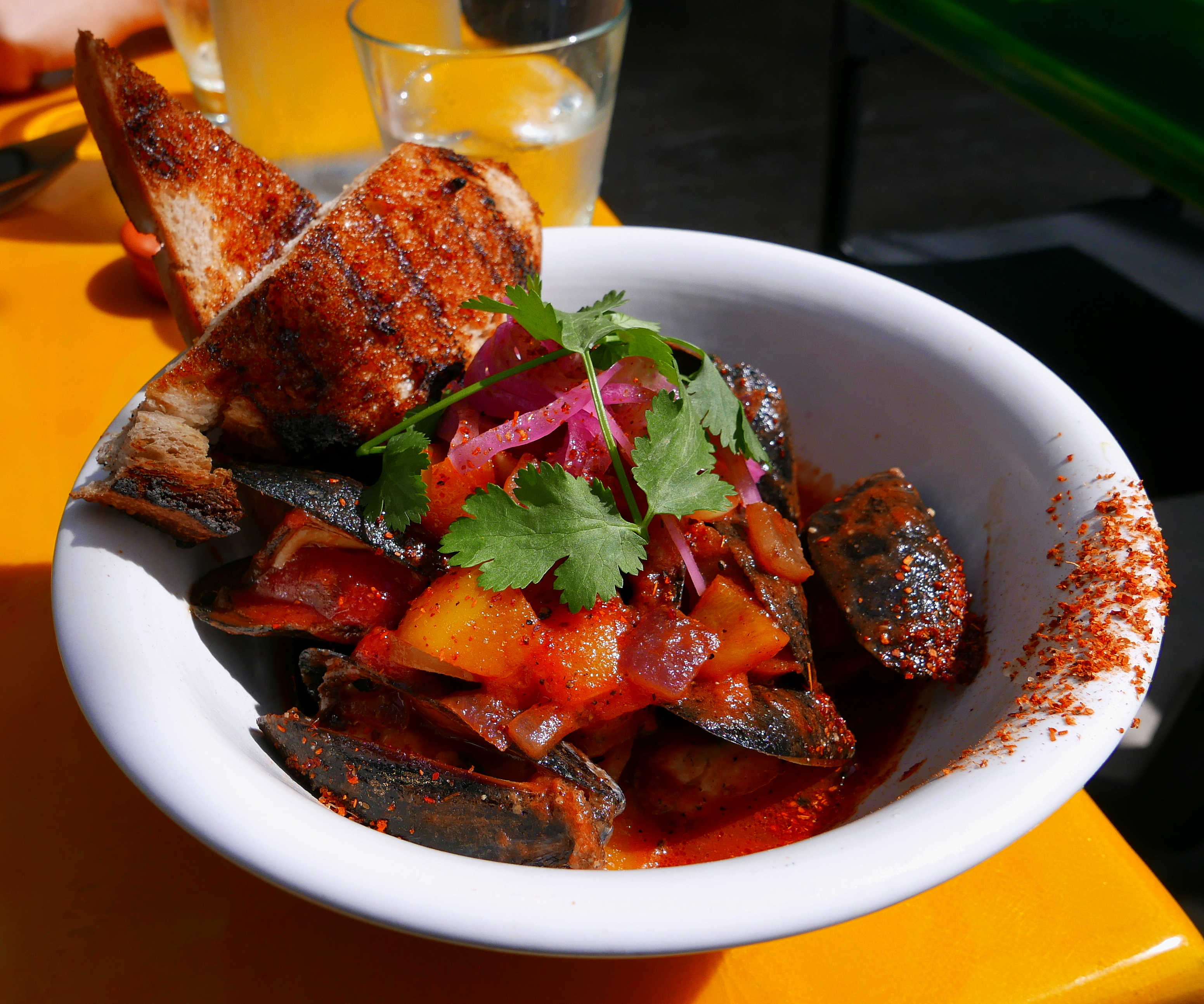 Michelada steamed mussels