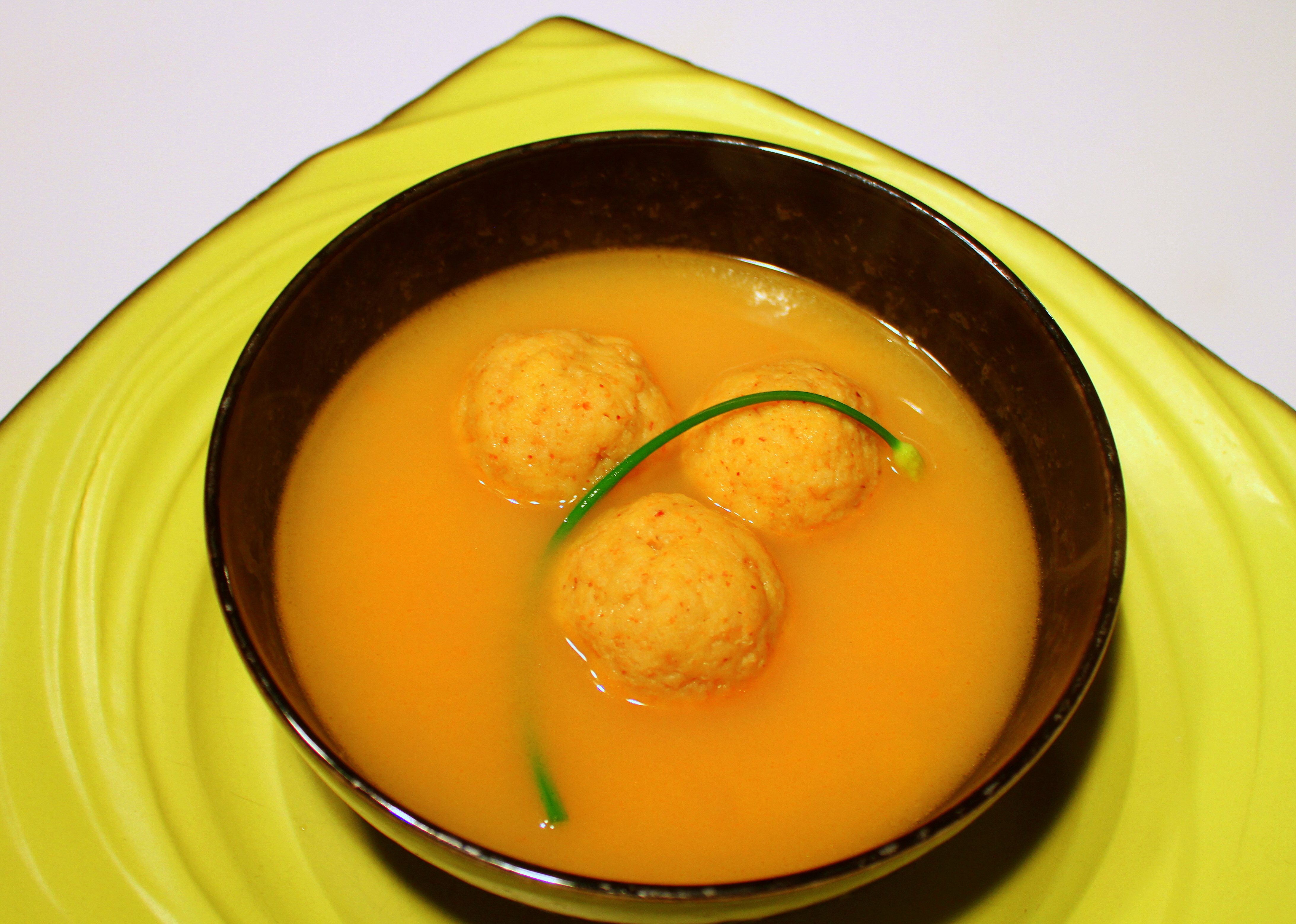 tomato-matzo-ball-soup-with-pickled-garlic-chive-1